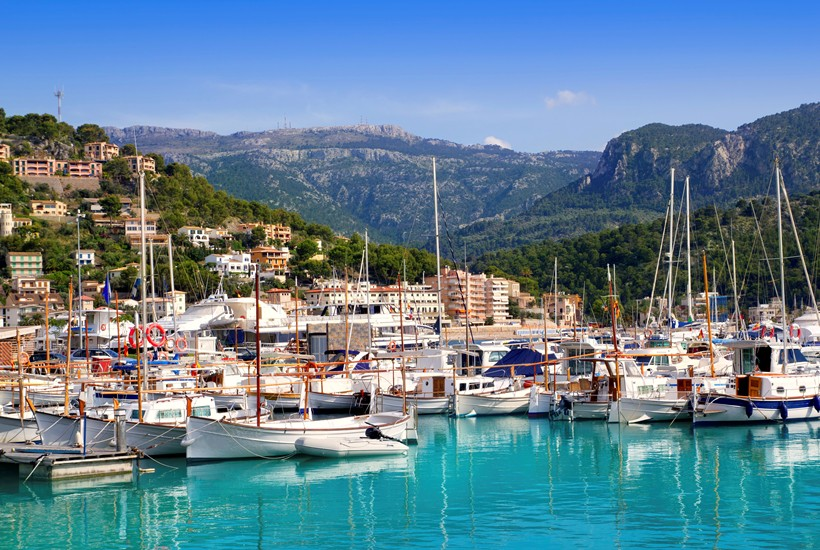 Sailing with Rent a Yacht Holidays